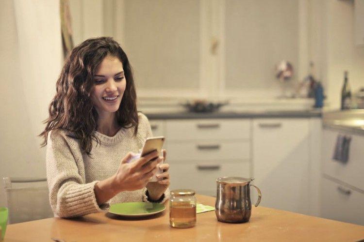 Patut Dicoba, 7 Ide Pesan Singkat Ini Bikin Si Dia Terobsesi Denganmu!