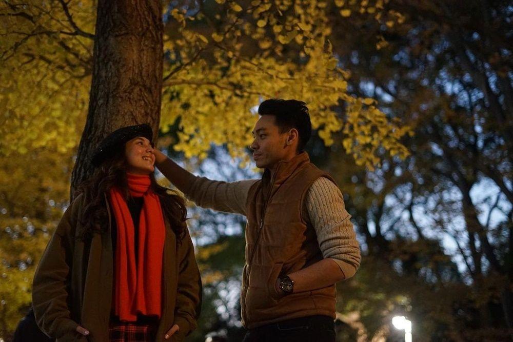Bak Adegan Film Romantis, 9 Momen Mesra Chelsea Islan dan Rob Clinton