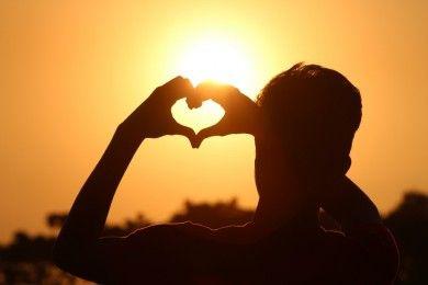 5 Alasan Kamu Sering Merasakan Cinta Bertepuk Sebelah Tangan