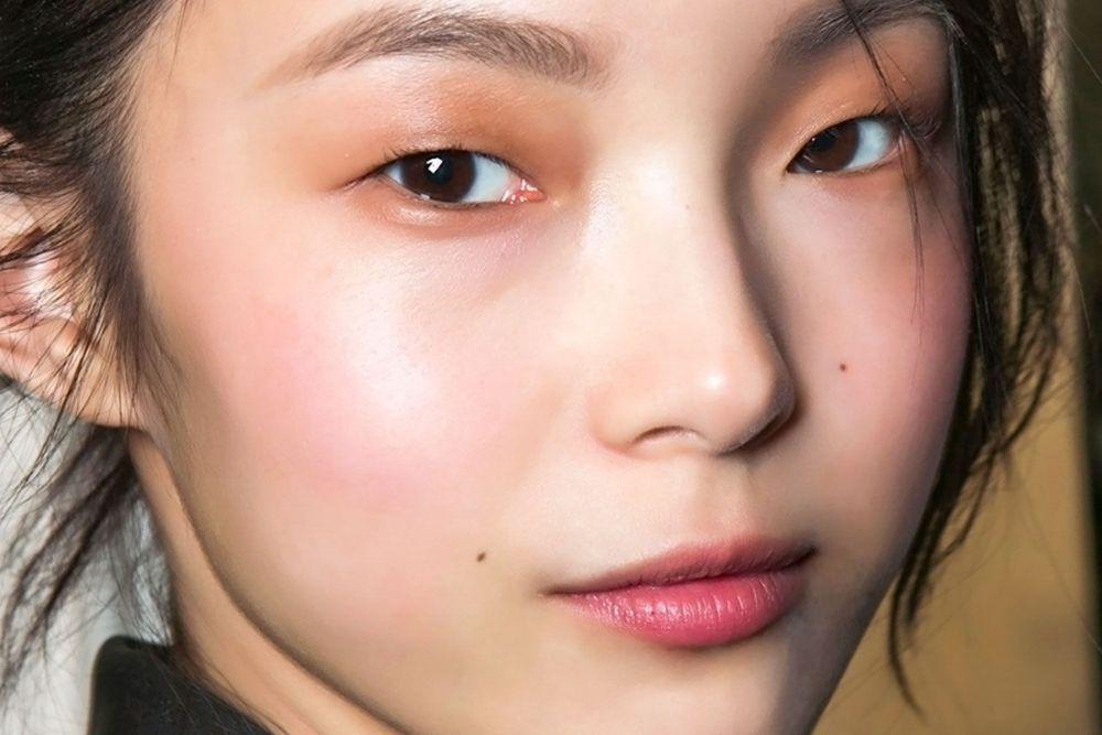 Anti Menor, 9 Cara Makeup Natural yang Bikin Wajah Terlihat Flawless