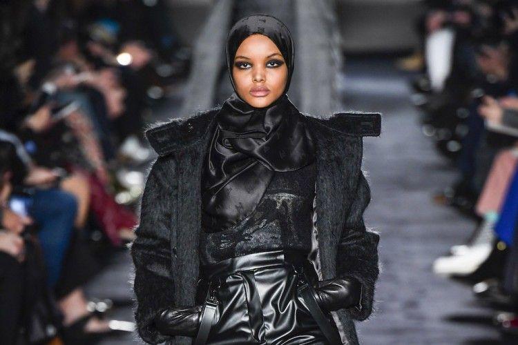 Lebih Pilih Agama, Model Muslim Halima Aden Tinggalkan Dunia Fashion