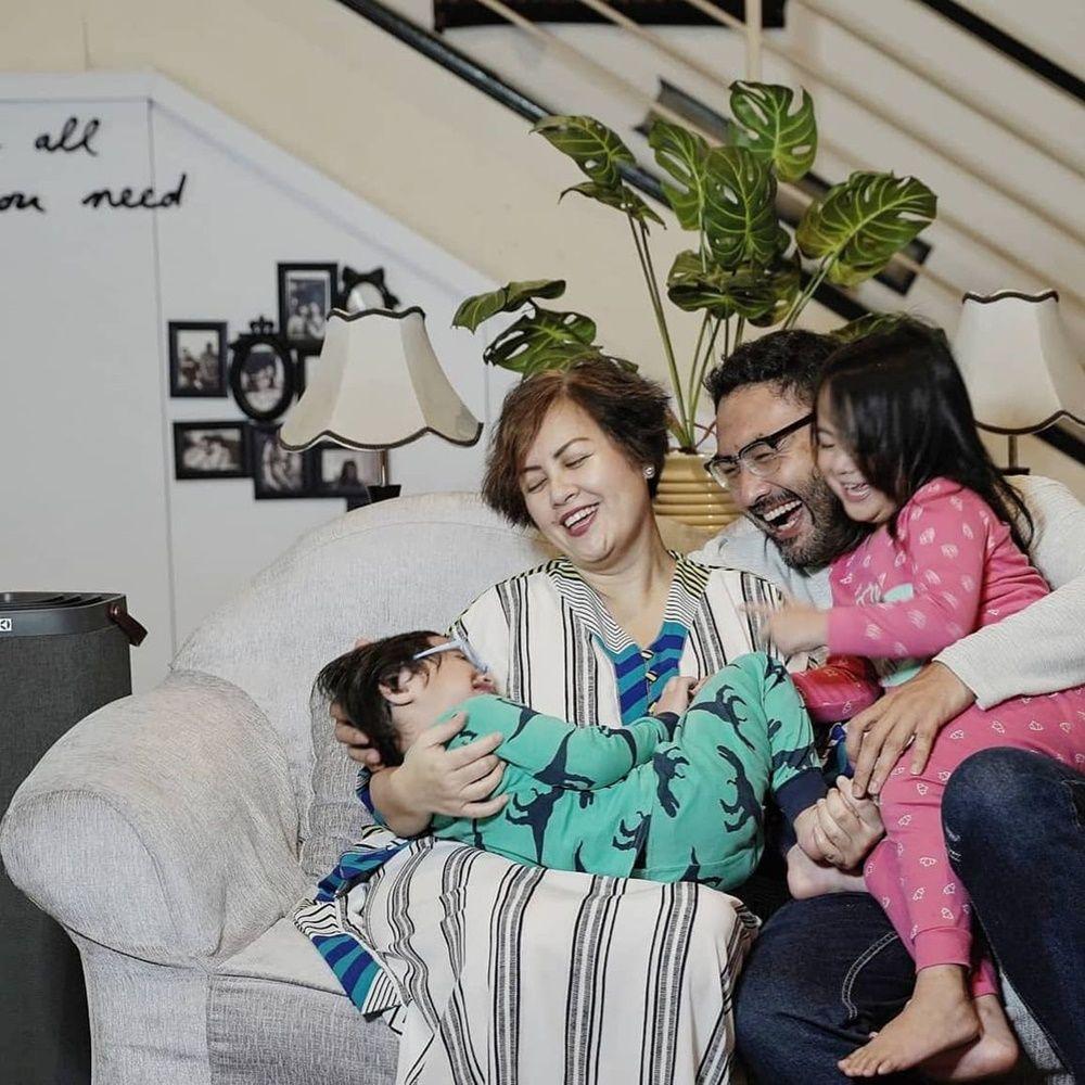 10 Potret Pemain 'Ikatan Cinta' Bersama Keluarga, Kompak dan Hangat!