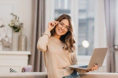 Bisa Lebih Cuan, Ini Cara Bagi Waktu Antara Full Day Job Side Job