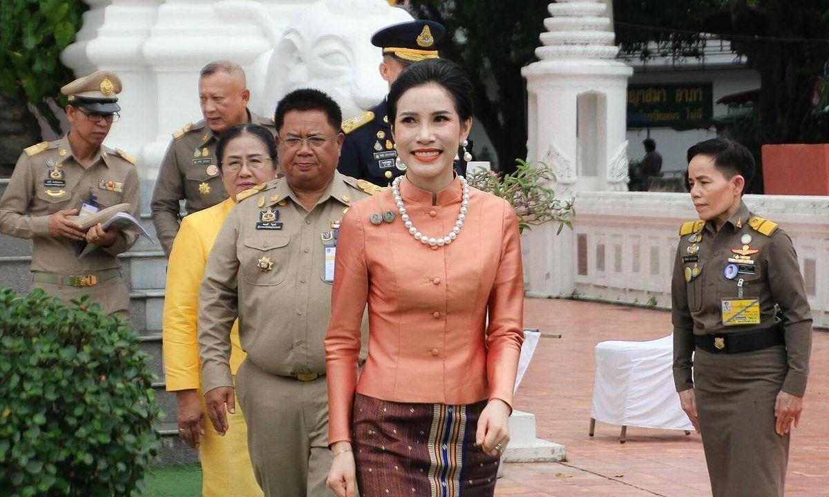 Tersebar Foto Syur di Internet, Begini Gaya Asli Selir Raja Thailand