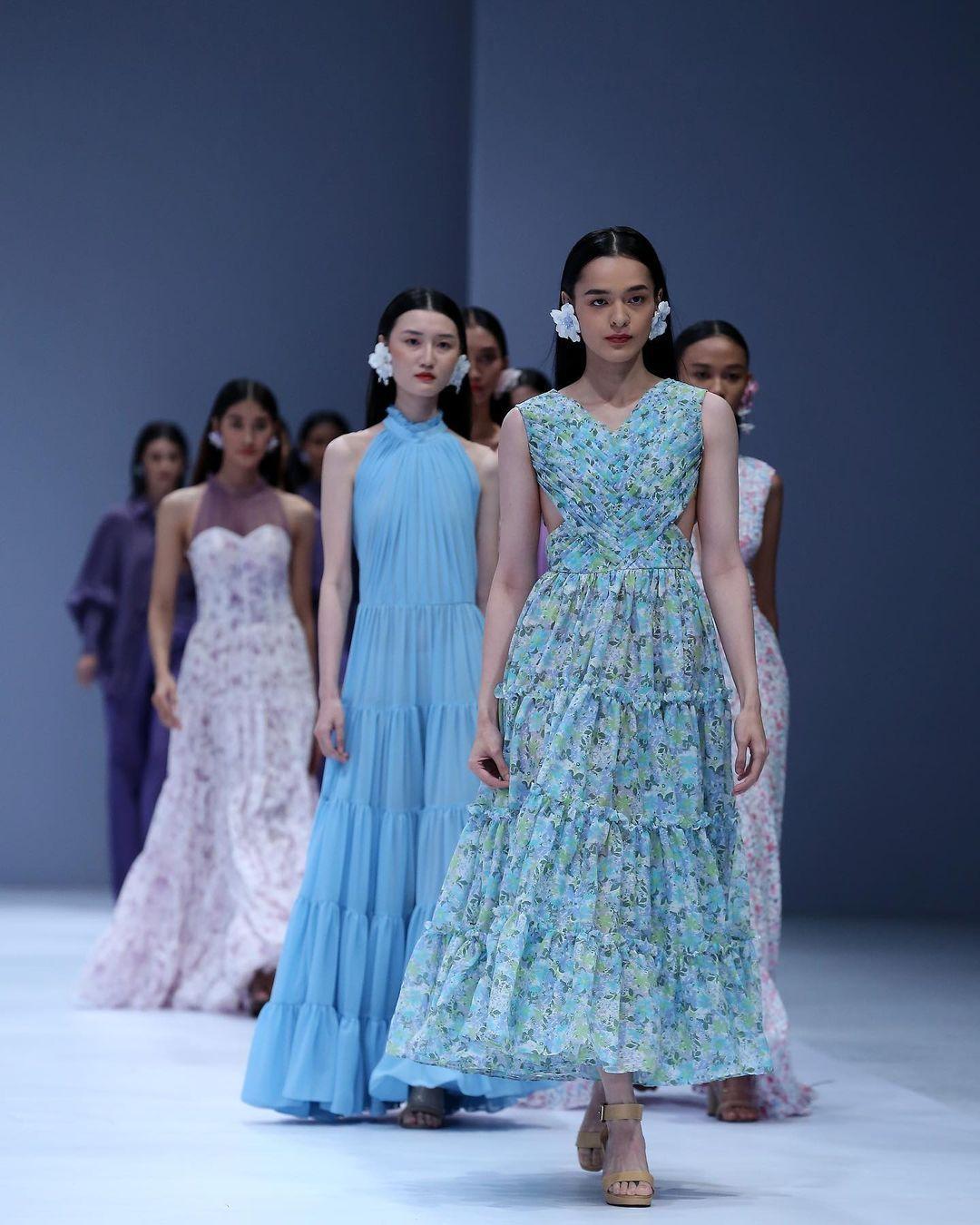 JFW 2021 Dibuka dengan 5 Desainer Lokal & Tribute untuk Barli Asmara