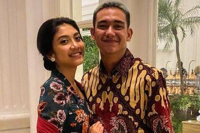 Segera Menikah, Begini Gaya Mesra Adipati Dolken Calon Istri