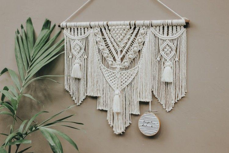Dekorasi Dinding yang Estetik, Ini Cara Membuat Makrame