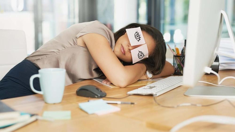 Sering Merasa Mengantuk? 5 Aktivitas Ini Bisa Jadi Penyebabnya