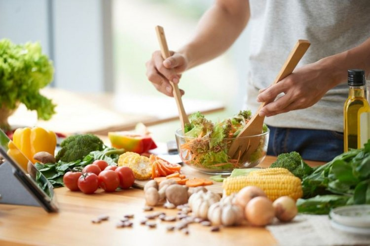 10 Ide Menu Makan Siang Sehat dan Simpel