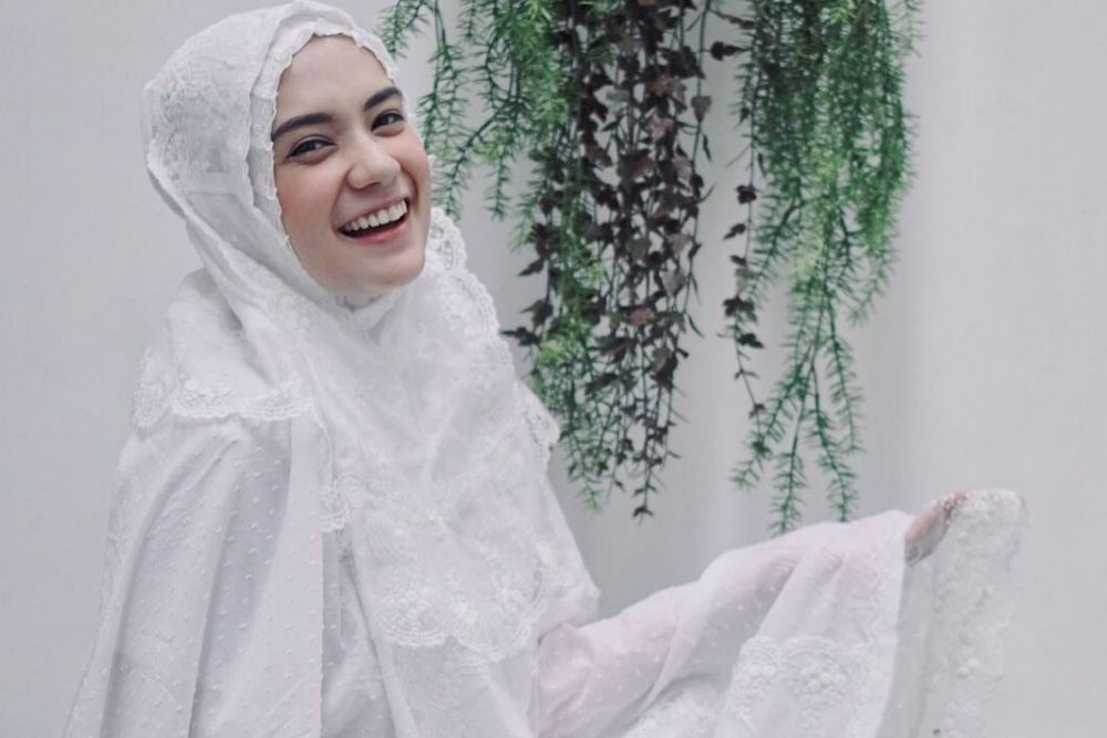 Saingan Sama Amanda Manopo, 7 Pesona Putri Anne Istri Asli Arya Saloka