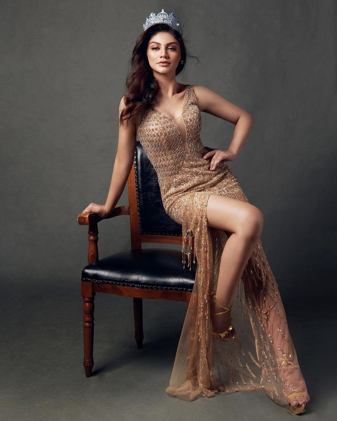 Masuk Nominasi Wanita Tercantik di Dunia, Ini Gaya Seksi Jihane Almira
