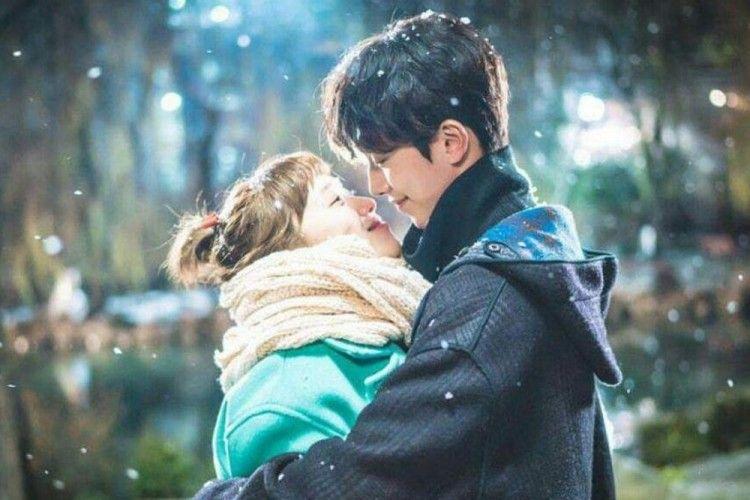 5 Zodiak Jomblo yang Kisah Cintanya Paling Bahagia di Desember 2020