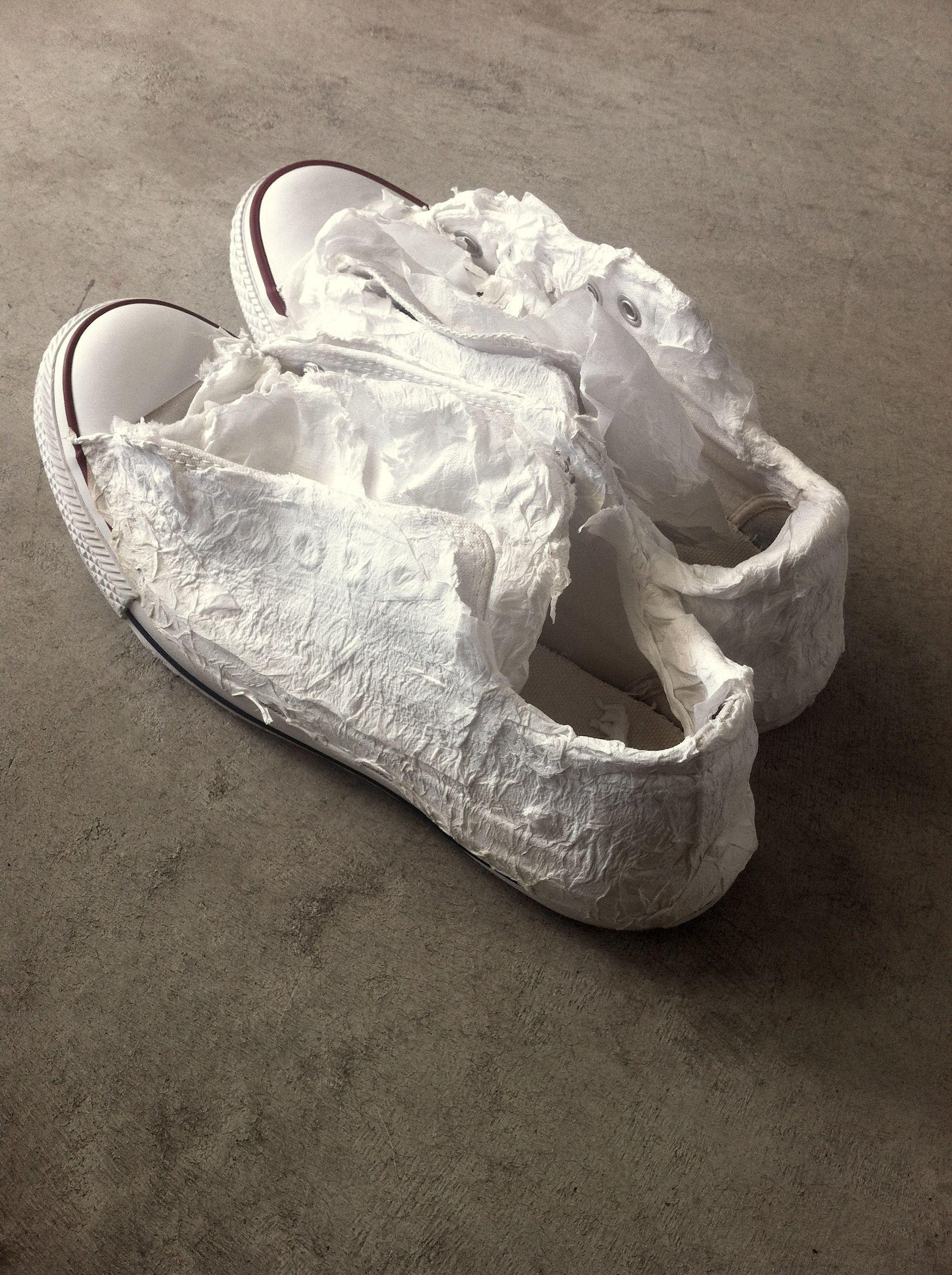 Cara Merawat Sepatu Putih Anti Mager