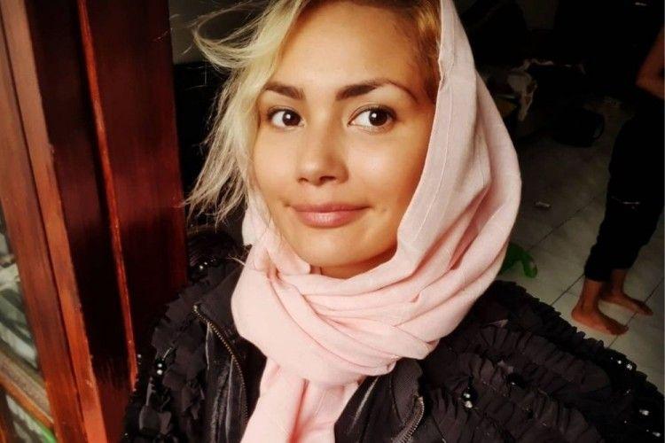 7 Pesona Audur Linda, Si Bule Asal Islandia yang Kini Memeluk Islam