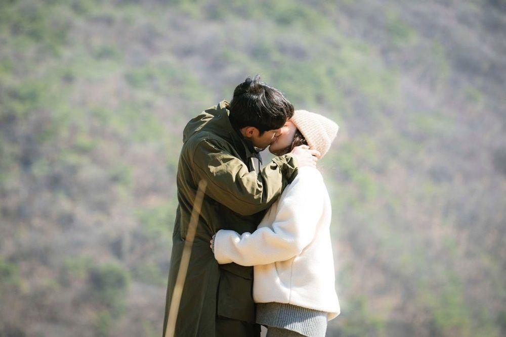 Sulit Dilupakan, 12 Ciuman KDrama Paling Romantis Sepanjang Tahun 2020