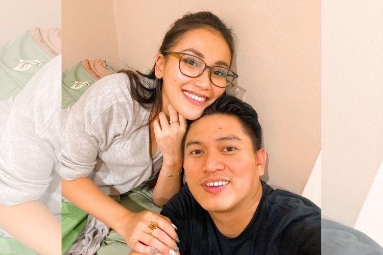Sudah Direstui Keluarga, 9 Gaya Pacaran Ayu Ting Ting & Adit Jayusman