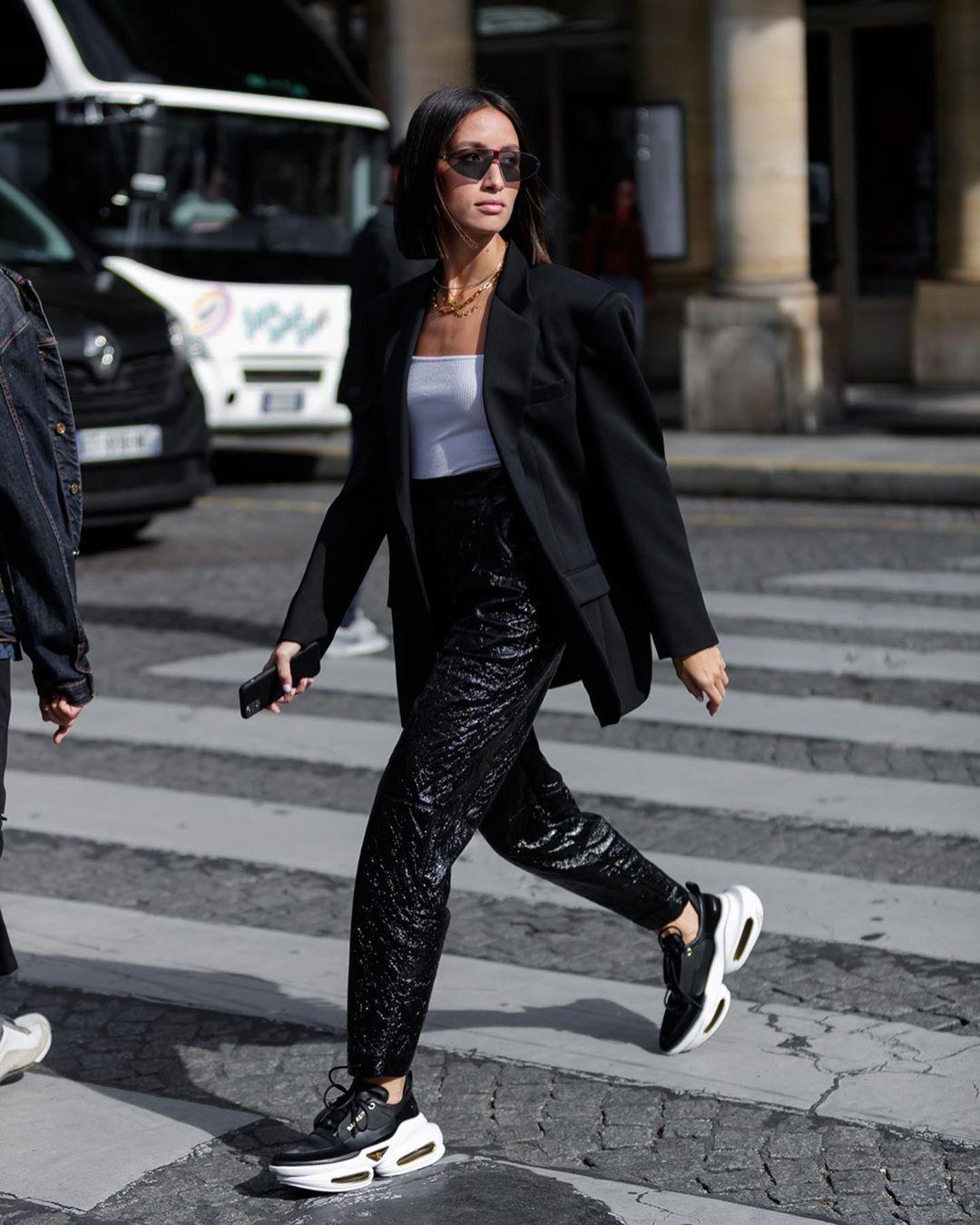 7 Fashion Item yang Nggak Akan Ngetren di Tahun 2021,Sayonara!