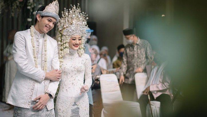Baju Pengantin Terbaik di Tahun 2020 yang Dipakai Artis Indonesia
