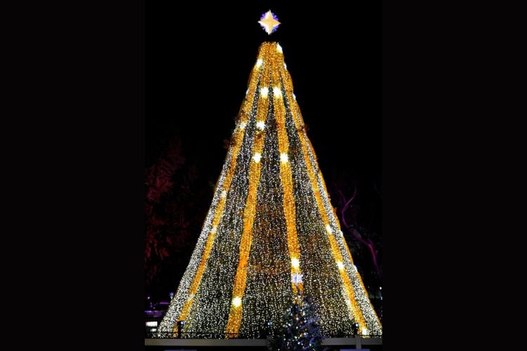 Tercatat dalam Sejarah, Inilah 10 Pohon Natal Terindah di Dunia!
