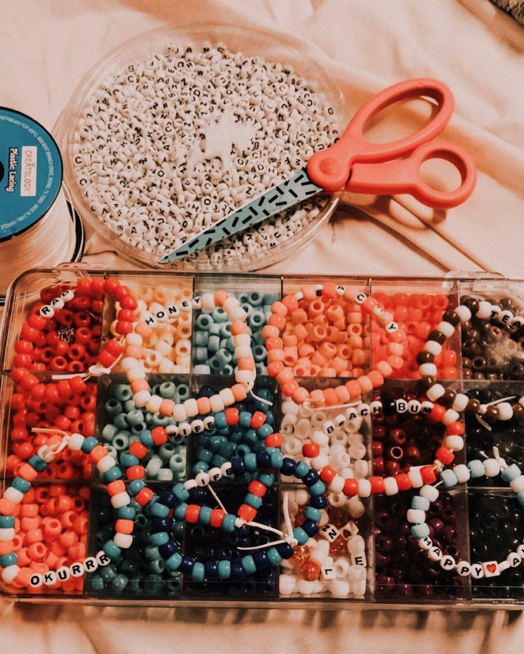 Lagi Nge-trend, Ini Cara Membuat DIY Aksesori Beads!