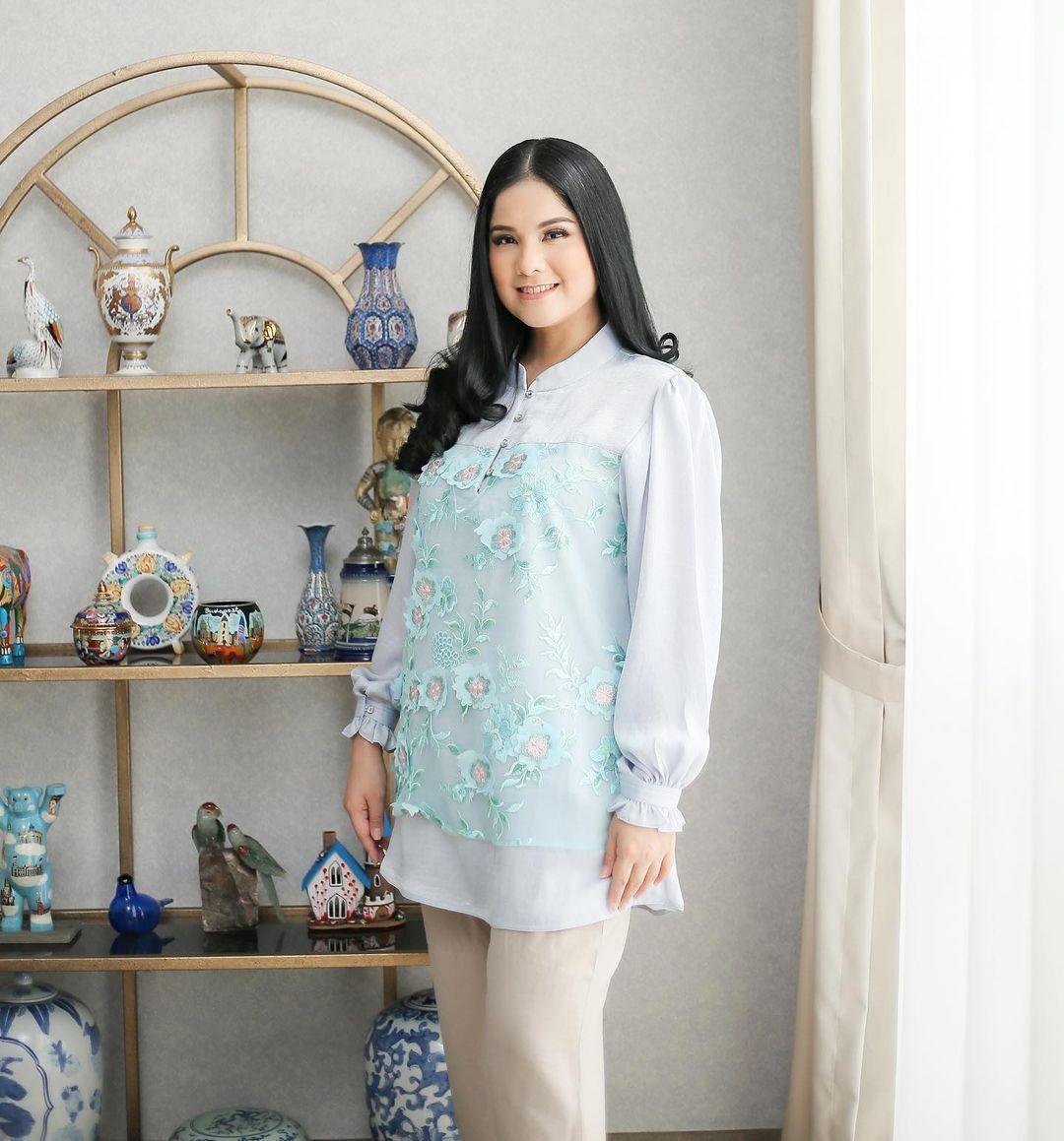 Gaya Artis yang Sukses Jadi Istri Pejabat Indonesia, Menteri Juga Ada!