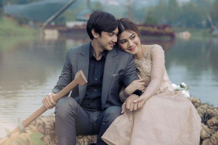 Gemas Banget! 11 Foto Pre-Wedding Artis Paling Romantis di Tahun 2020