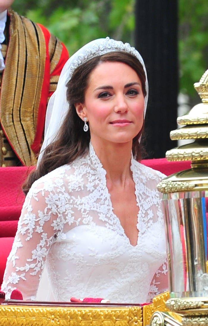 Penjahit Gaun Pengantin Kate Middleton Hidup Susah Sampai Harus Puasa