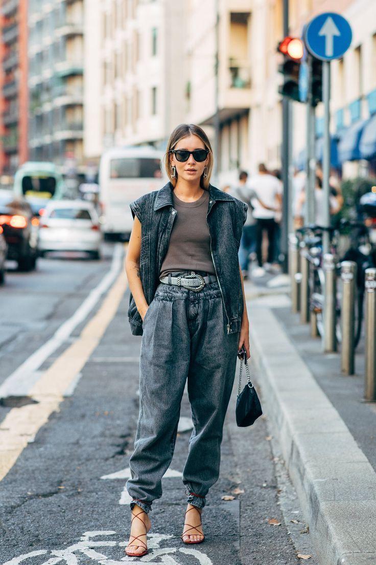 Gampang dikombinasikan! Intip Inspirasi Street Style Pakai Denim