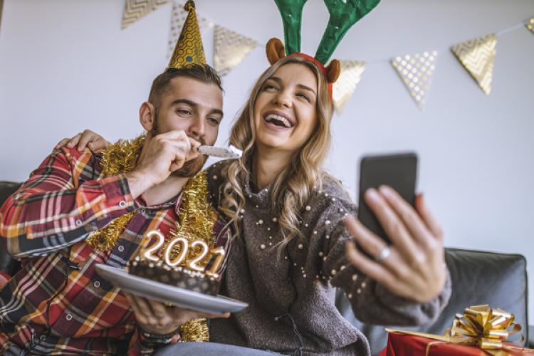 Lebih Aman, Ini 5 Ide Merayakan Tahun Baru Secara Virtual