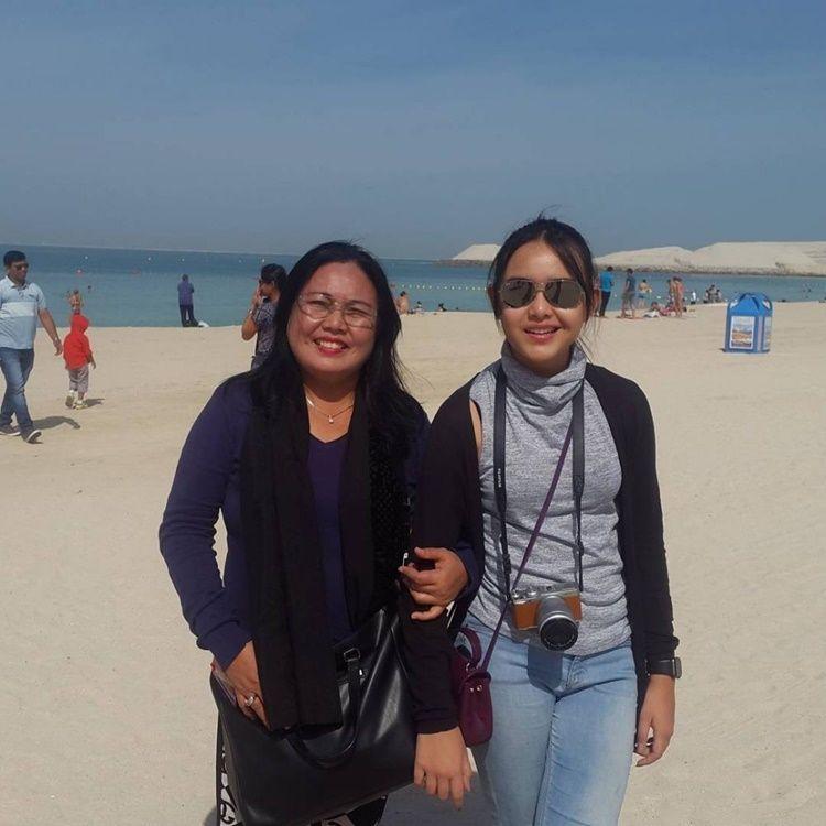 Penyayang, Intip 10 Bukti Hangatnya Amanda Manopo dan Sang Ibu