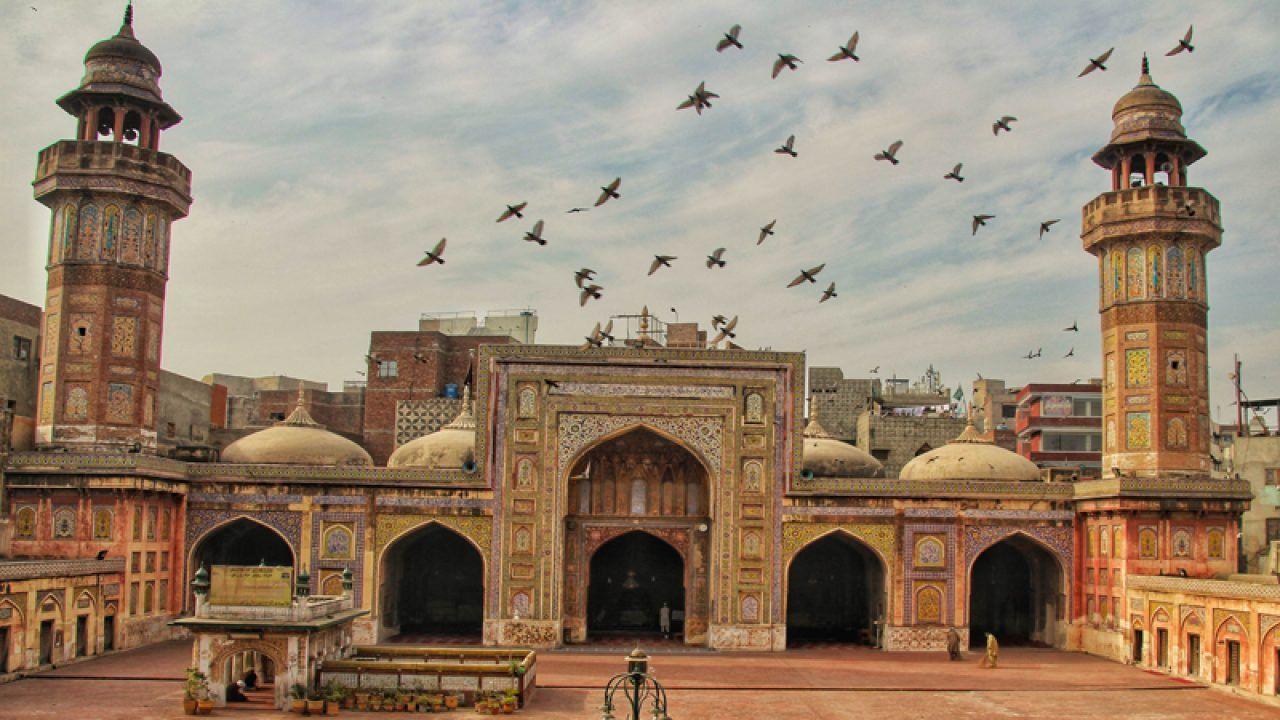 Bikin Takjub dan Bersyukur, Ini 10 Masjid Terindah di Dunia