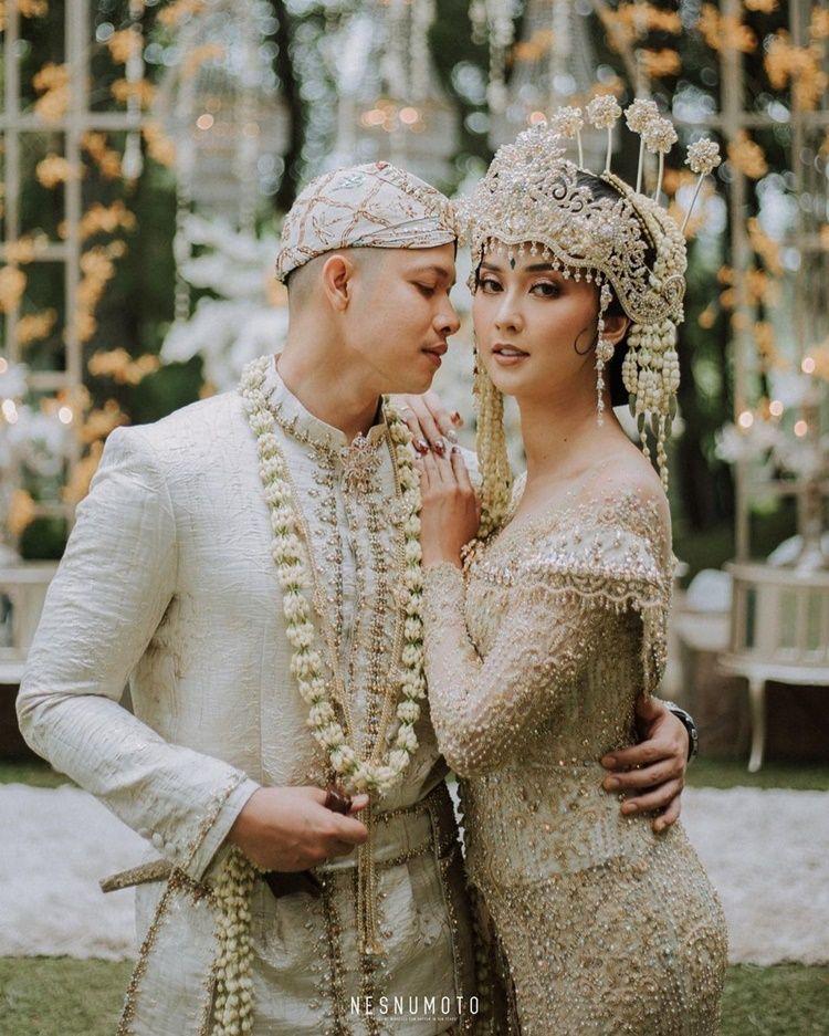 Mudah Diingat, 10 Pasangan Artis Ini Menikah di Tanggal Cantik