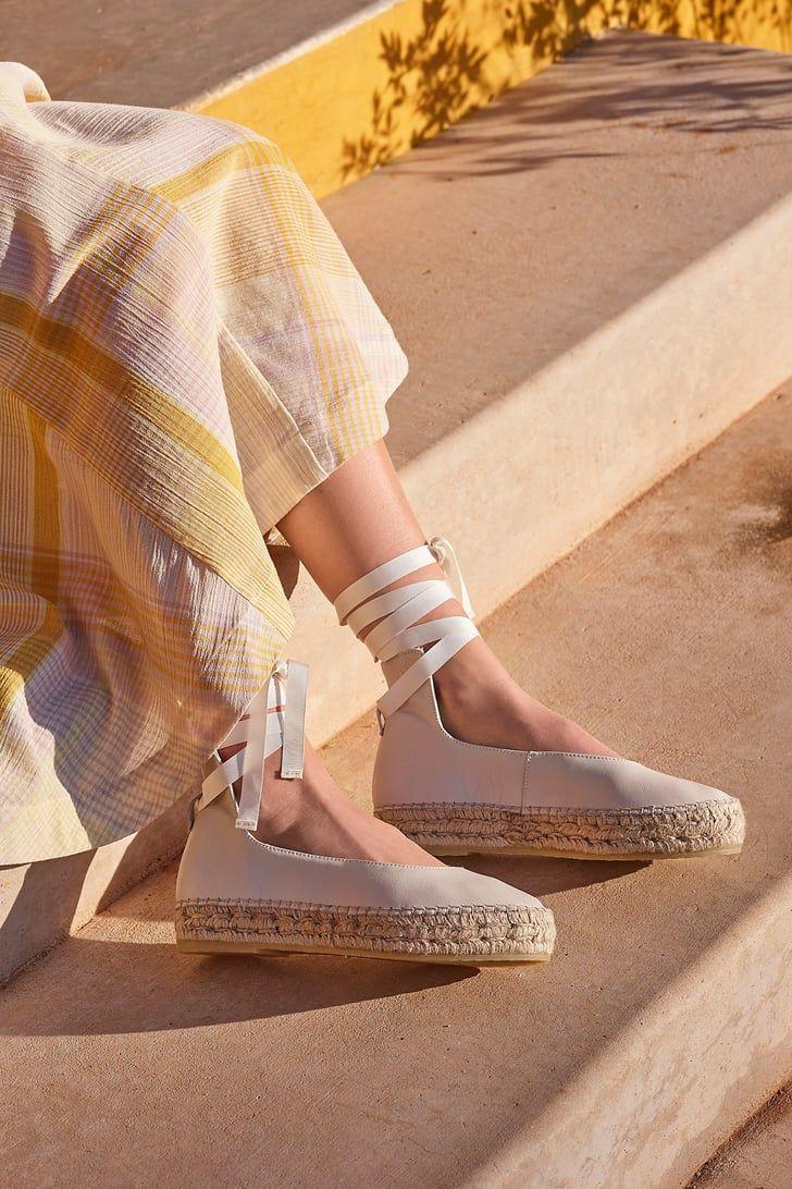Deretan Model Sepatu yang Cocok untuk Kaki Lebar