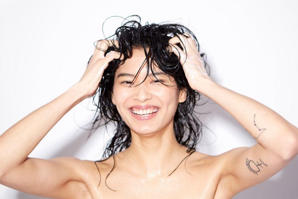 5 Cara Merawat Rambut Rusak Akibat Sering Dicatok