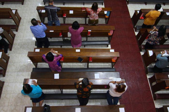 Perbedaan PSBB dan Pembatasan Kegiatan Masyarakat di Jawa dan Bali