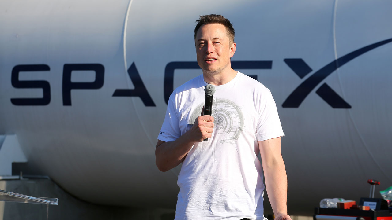 Pernah Ngontrak & Di-Bully, 15 Fakta Elon Musk Orang Terkaya di Dunia