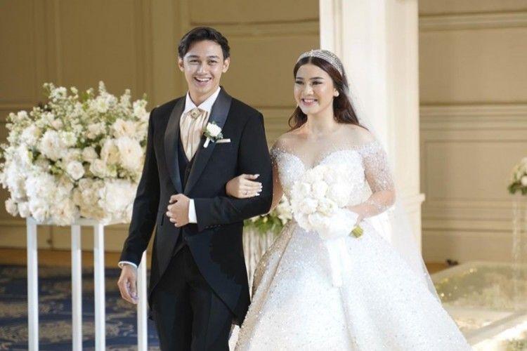 Akhirnya Ciuman! 7 Fakta Pernikahan Felicya Angelista dan Hito Caesar