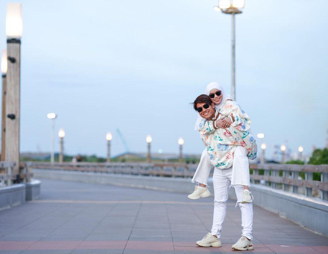 Deretan Gaya Lesty Kejora dan Rizky Billar yang Makin Romantis!