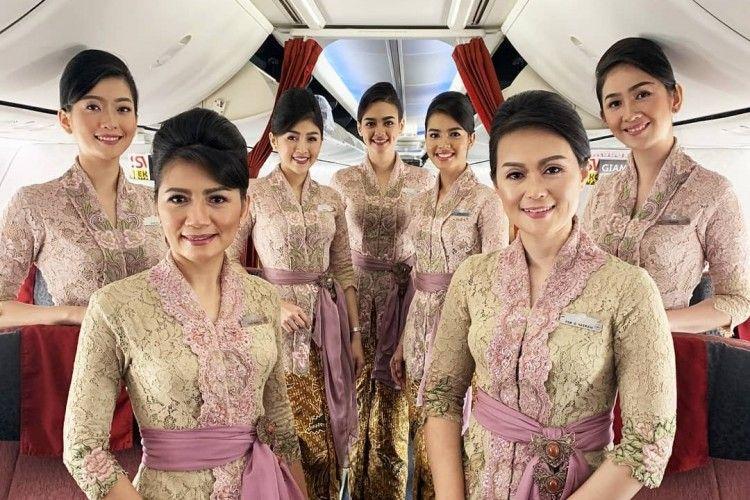 Deretan Maskapai Indonesia dengan Seragam Pramugari Termodis