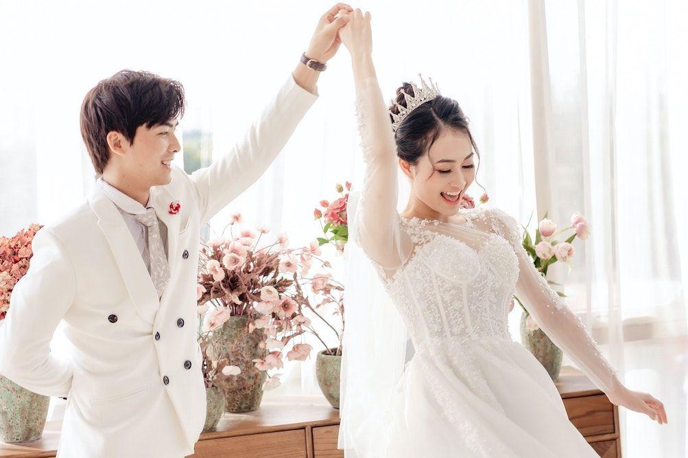 Ajarkan Cinta Kasih, Ini 30 Ayat Alkitab Tentang Pernikahan