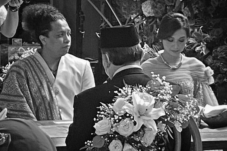 Tak Direstui Ibu, 5 Fakta Pernikahan Indah Permatasari & Arie Kriting