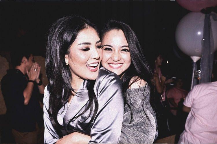 10 Bukti Persahabatan Nindy Ayunda dan Ririn Ekawati Bak Sister Goals!