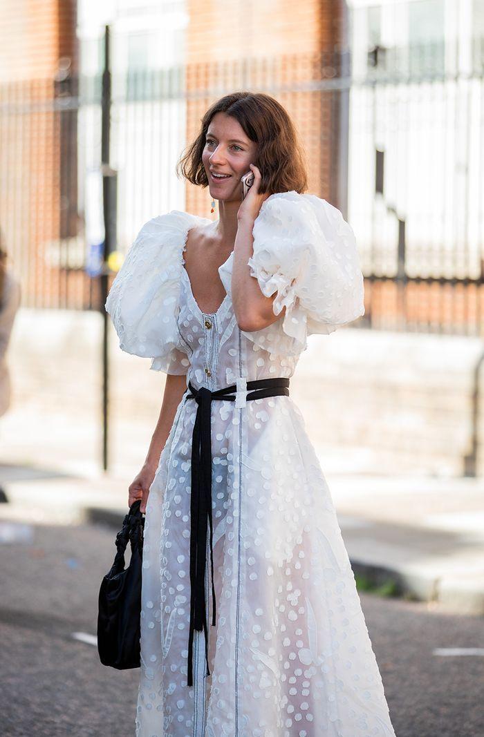 Ciptakan Gaya Glam Look untuk Hadiri Acara Pernikahan