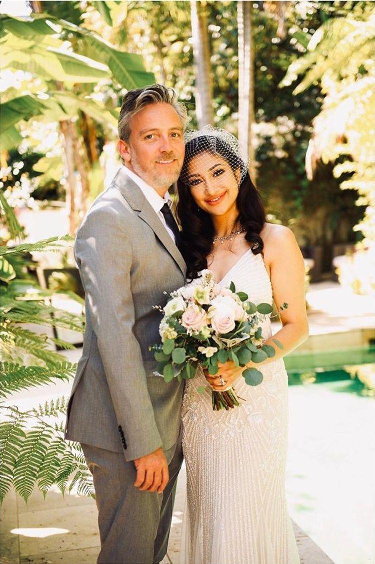 Gaya Seksi Rahma Azhari Setelah Menikah dengan Aktor Hollywood