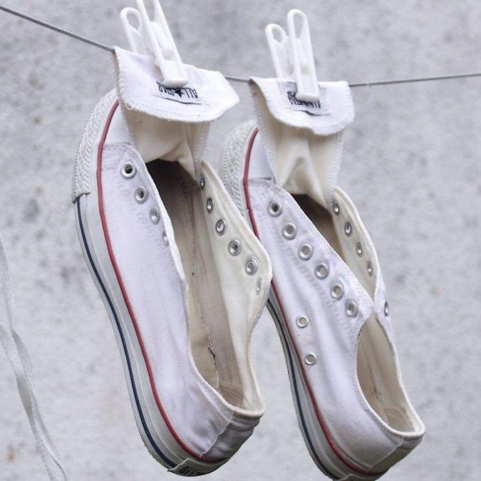 Tips Merawat Sepatu Converse, Makin Bersih dan Awet
