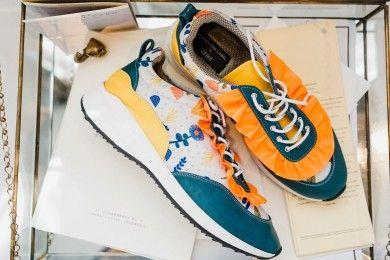 PopbelaOOTD Rekomendasi Sneakers Manis Si Feminin