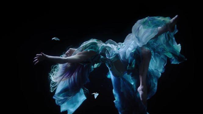 Jennifer Lopez Tampil Seksi di Video Klip In The Morning