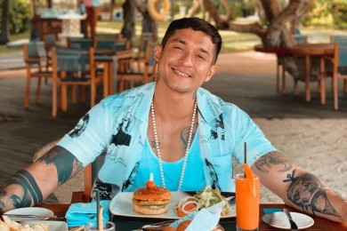 Intip Pesona Tampan Aktor Malaysia Juga Populer Indonesia