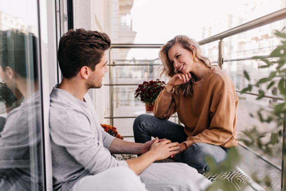 Hi Girls, Lakukan 7 Hal Ini untuk Membuat Cowok Jatuh Cinta Saat PDKT