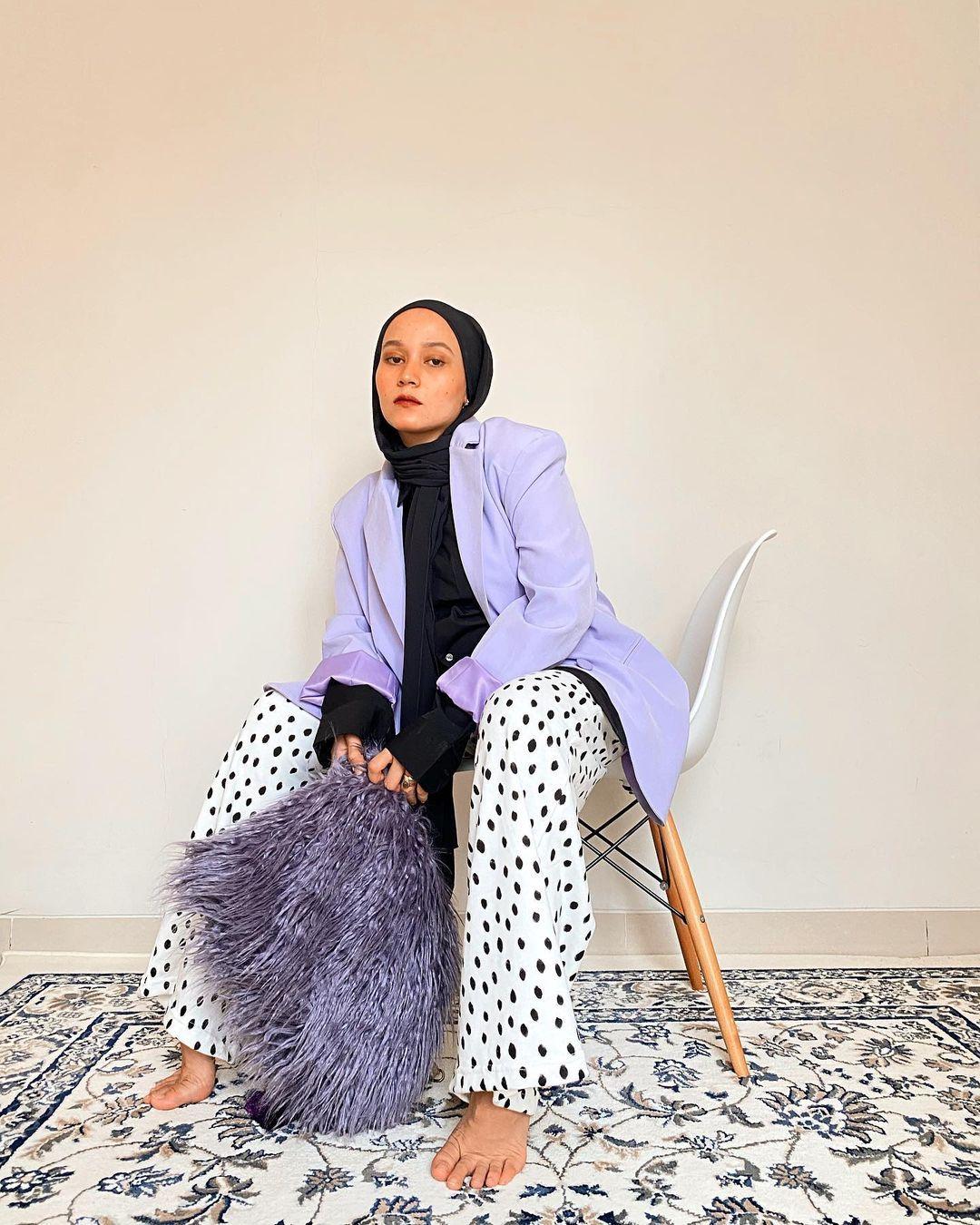 Tips Padu-padan Celana Motif untuk Perempuan Hijab